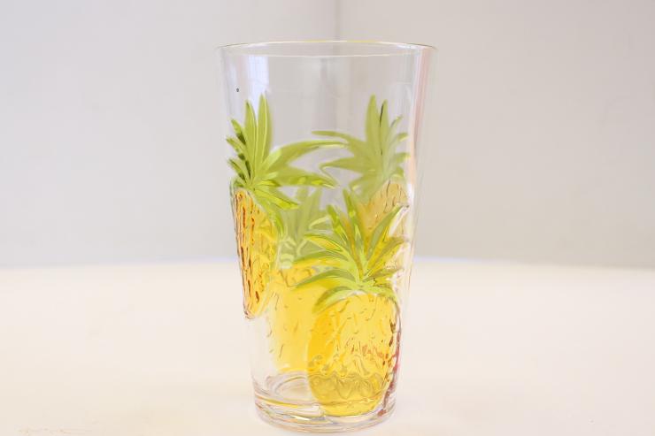 パイナップルのグラス