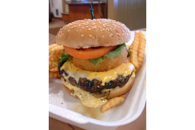 クアロア・ランチの名物ハンバーガー