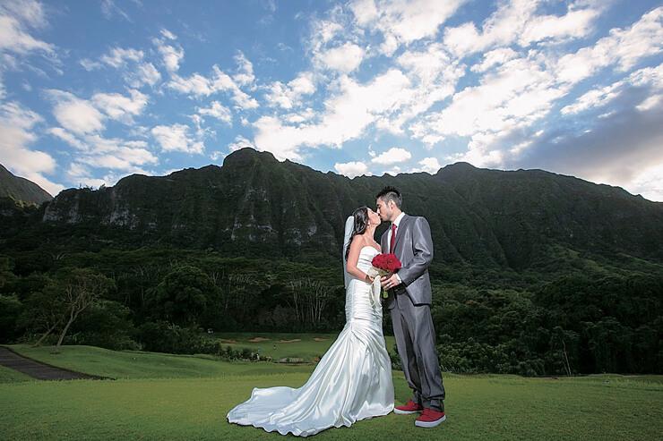 壮大な自然の中でレアなハワイ挙式を実現