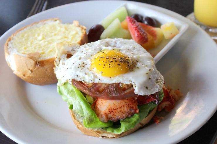 朝食サンドイッチ:$24