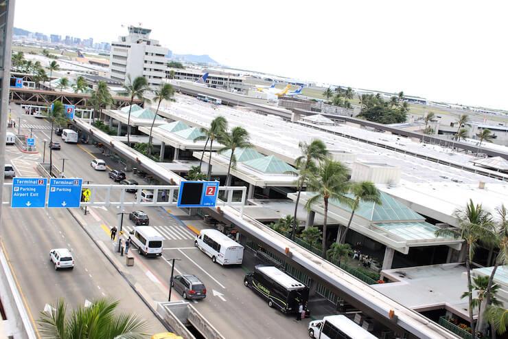 ホノルル国際空港−ホテル間の交通手段&送迎サービス