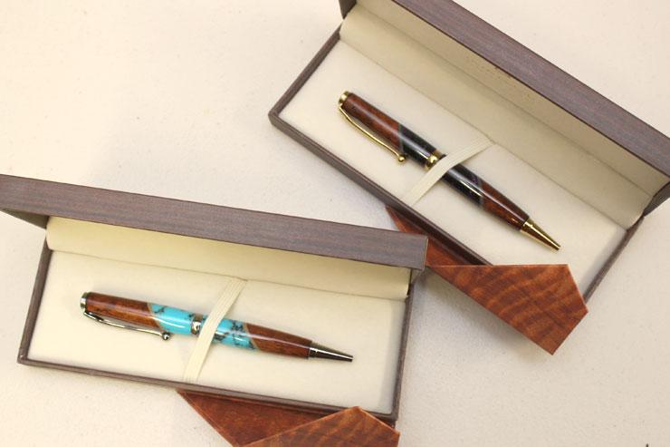 コアウッドのボールペン($145)