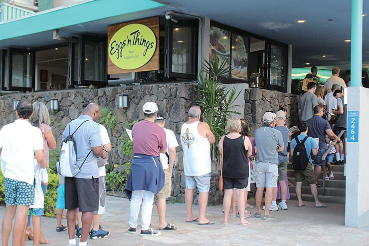 開店前から行列ができるほどの人気