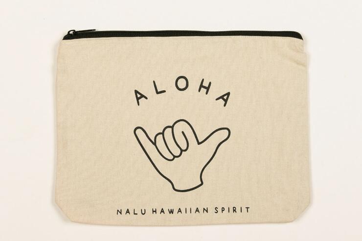 シャカマークがハワイらしいポーチ:$22