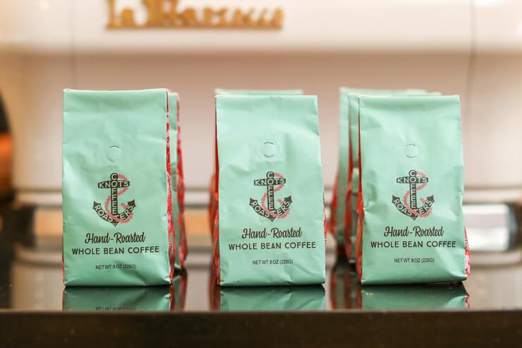 100%コナ・コーヒー:8オンス$35、20%コナ・コーヒー:8オンス$21