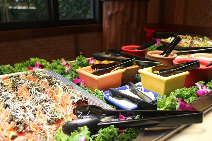 新鮮なサラダ類も豊富