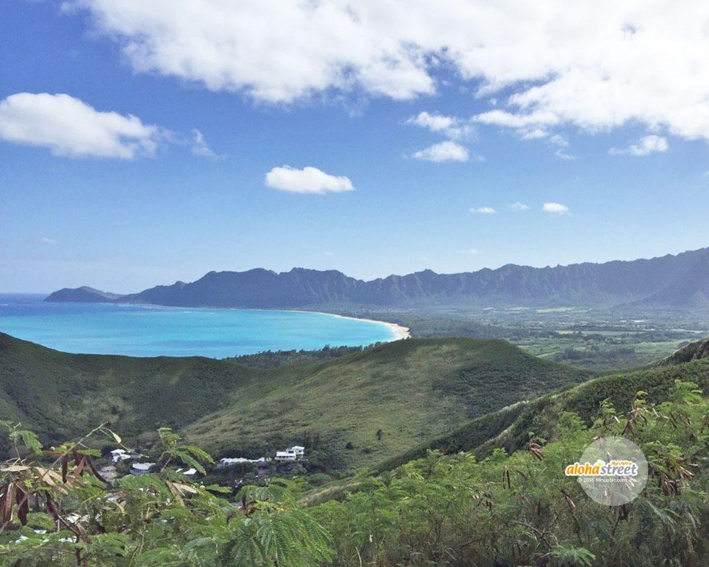 ラニカイの山頂から見えるワイマナロ・ビーチ