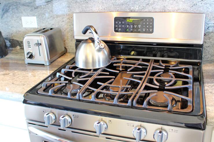フル装備の充実キッチン