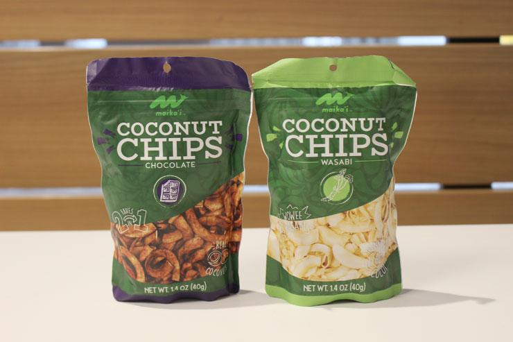 ココナッツチップス(左からチョコレート、わさび)