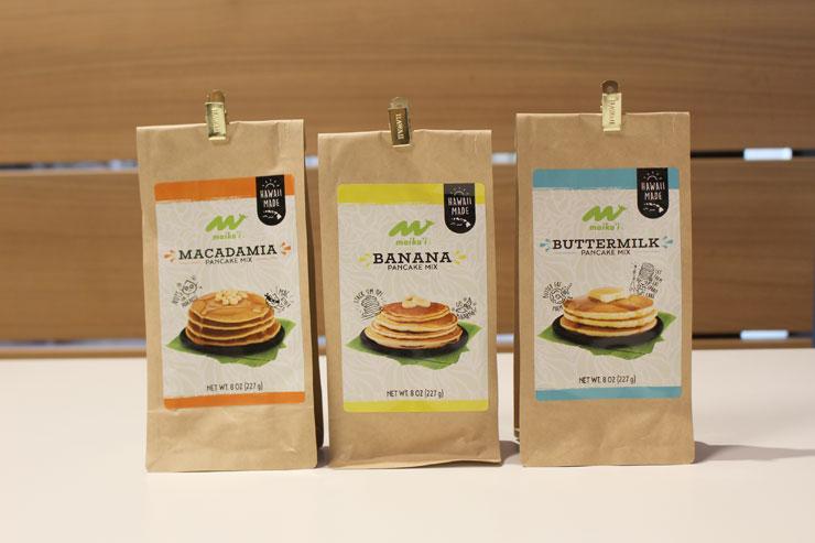 パンケーキミックス(左からマカダミア、バナナ、バターミルク)
