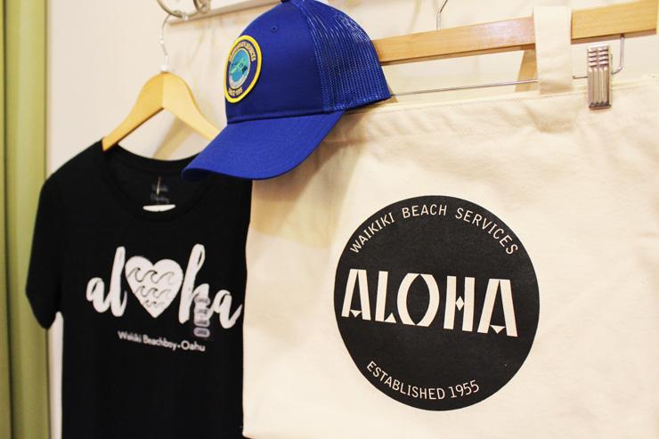 キャップ($34)、エコバック($28)、Tシャツ($38)
