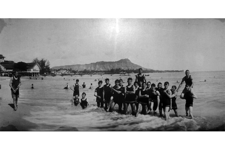 クム・フラがガイドするハワイ文化体験ツアー