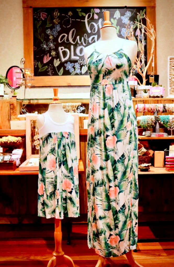 すぐに売り切れる人気母娘ドレス!