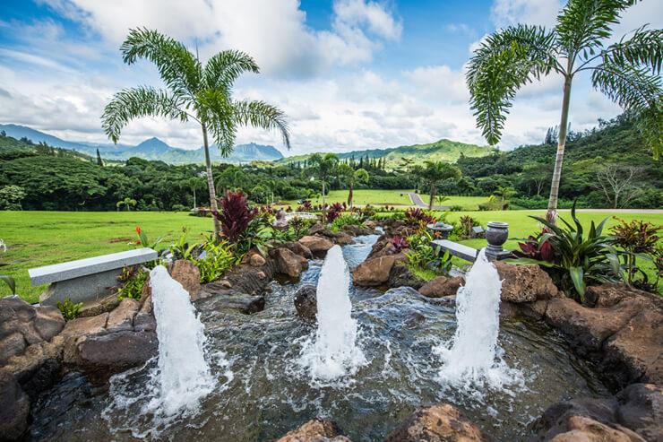 ハワイの美しい自然あふれる霊園