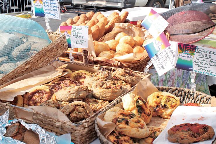 プレートランチやパンなどの軽食を取り扱う店舗も出店