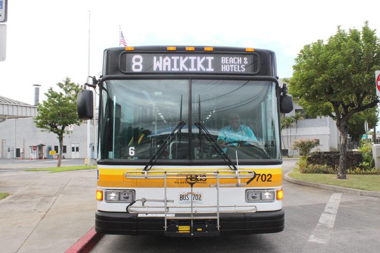 ハワイを走るザ・バスの  乗り方&ルール