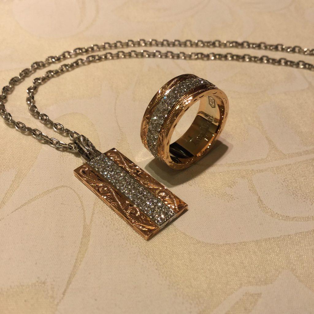 豪華なパヴェダイアモンドのペンダントとリングセット