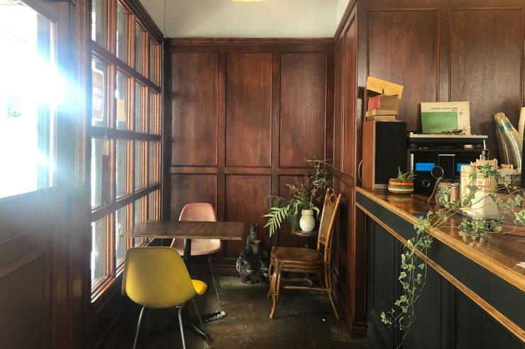 アース・カフェの店内
