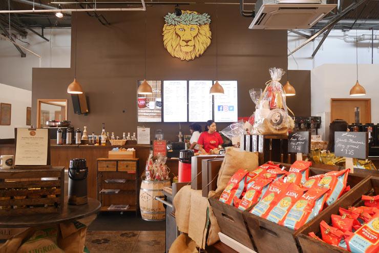ライオン・コーヒー・カフェの店内