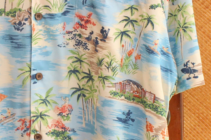 アウラニのメンズアロハシャツ:$80