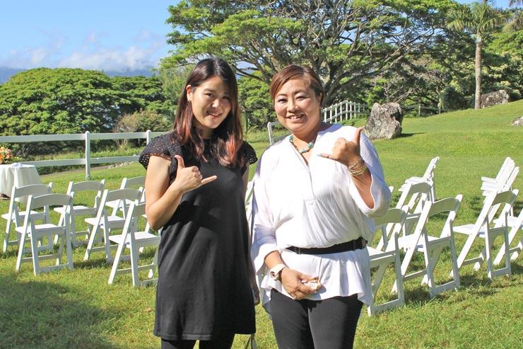 日本人コーディネーターのミサさん(写真右)
