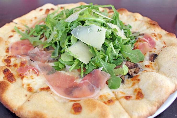 ワイキキでホームメイド・ピザが楽しめます!