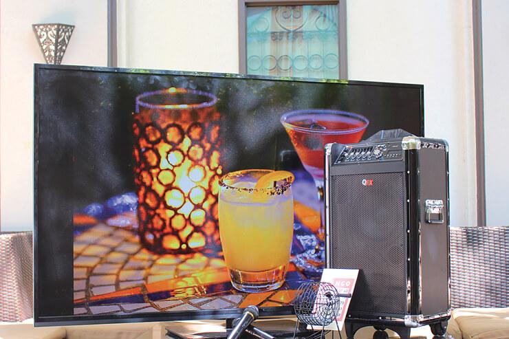 大画面モニター、DVDプレイヤー、ビンゴゲームなどもレンタルOK