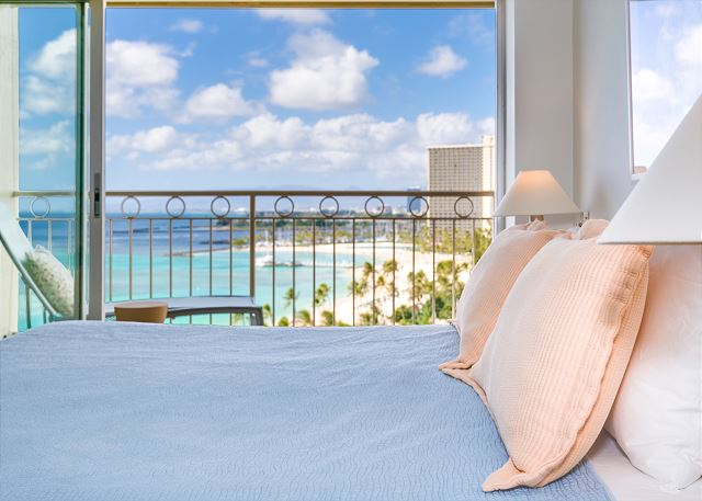 【花火の見えるお部屋】オンザビーチのコンド・ワイキキショア