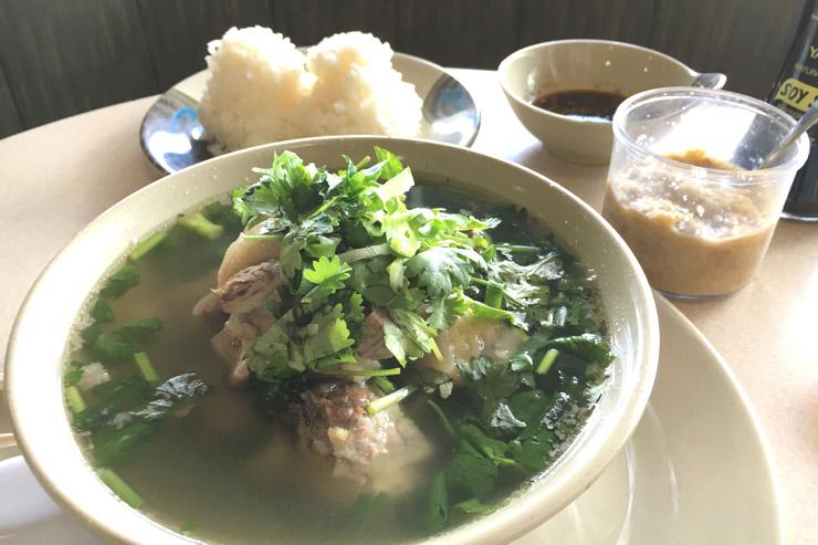 カムボウル・レストランの「オックステールスープ」
