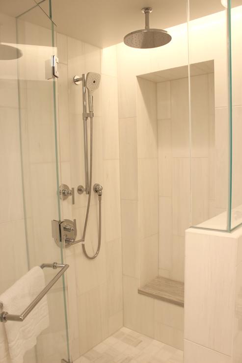 ハレプナワイキキの客室(バスルーム)