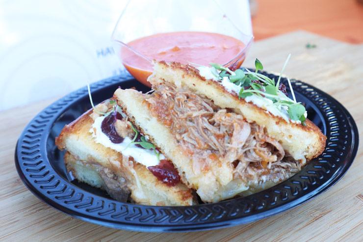 カモとチーズのサイドイッチ/キングス・ハワイアン