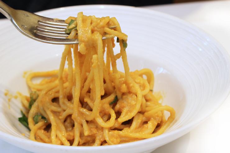 タオルミーナのコース料理、ウニのパスタ