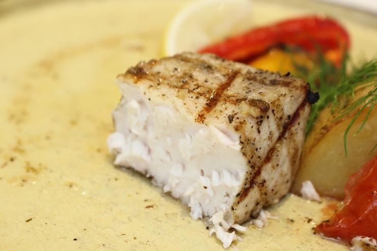 タオルミーナのコース料理、モンチョンの身はホロホロでジューシー