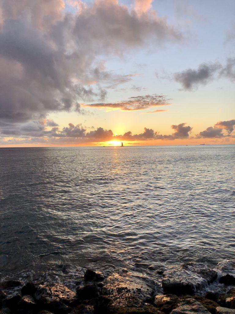 アラモアナビーチ・マジックアイランド サンセットライド