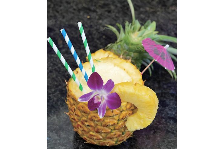 果実を丸ごと使用した濃厚なパイナップルスムージー:$9.95