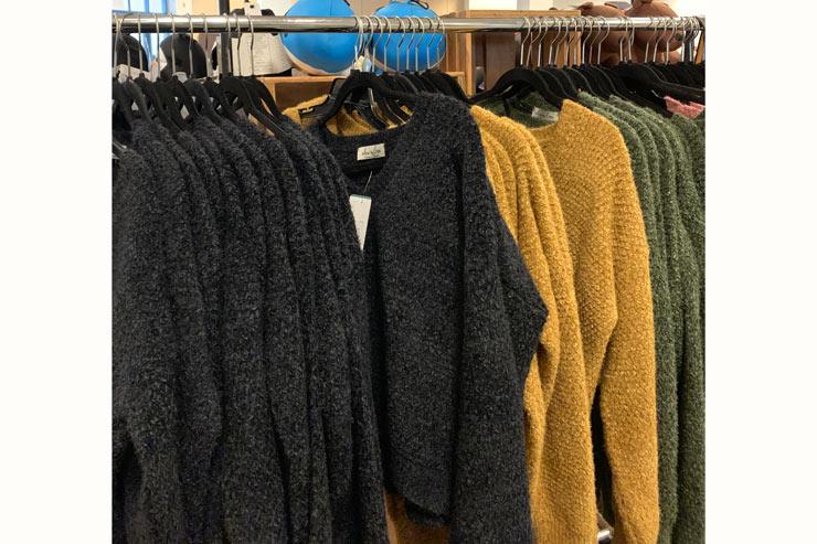 これからの時期にぴったりな冬服