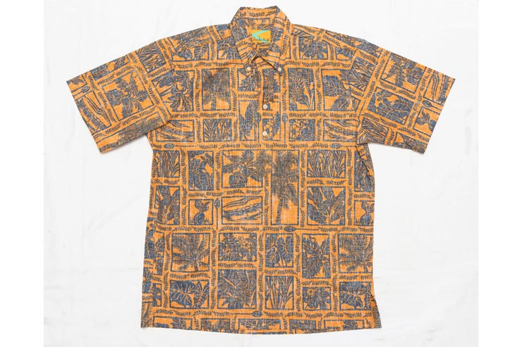 スッキリと切られるテイラーメイドのシャツ