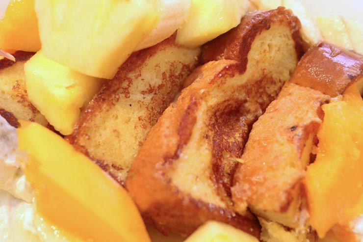 ハワイのヘブンリー・アイランド・ライフスタイルのフレンチトースト