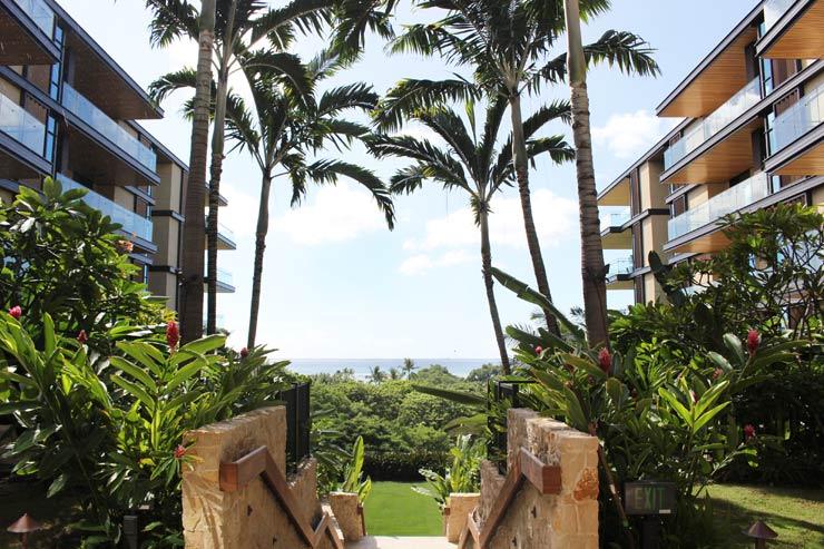 ハワイのパークレーン-中庭からは海が見える