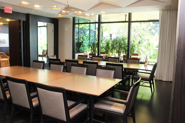 ハワイのパークレーンには食事会の可能なクラブラウンジも