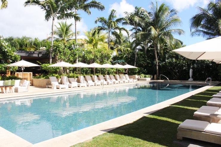 ハワイのパークレーンのプール