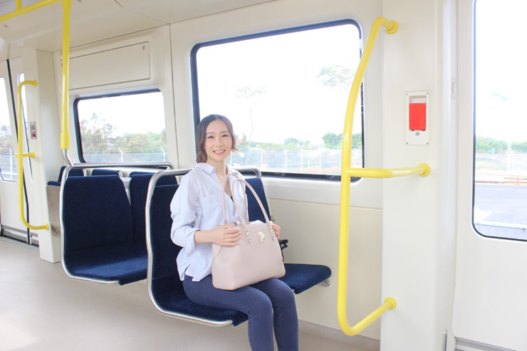ハワイの電車 座席