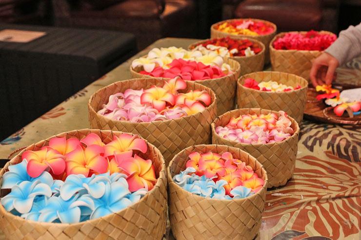 続いて、色とりどりの花や飾りから自分の好みを5個セレクト。