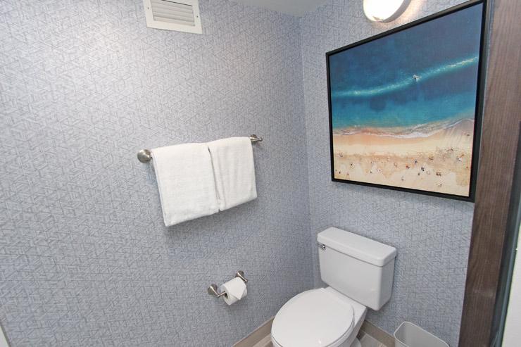 温水洗浄便座のトイレがある部屋もある。