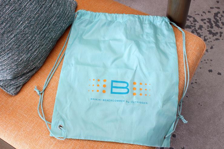 ビーチへ出かける時に便利なバッグ。