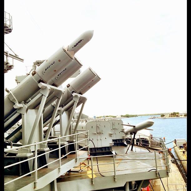 近代化ミサイルも間近に見れます