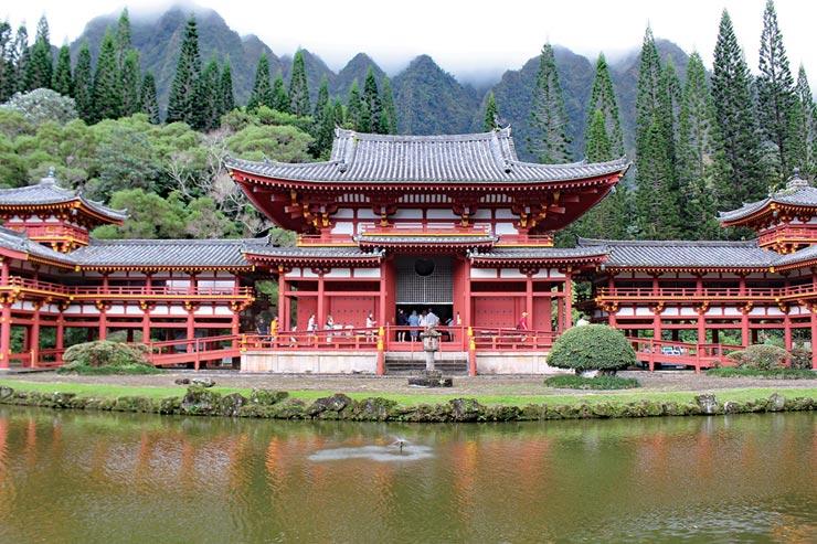 仏教だけでなく様々な宗教を持つ人のための施設として知られる平等院