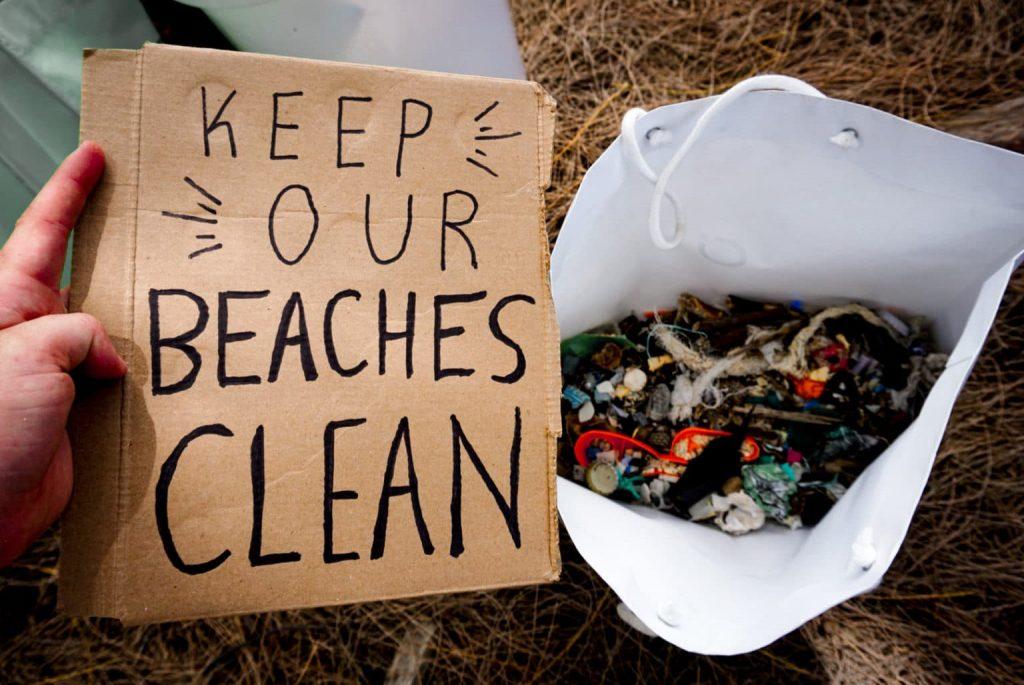 プラスチックゴミを無くそう!ハワイのビーチクリーニング