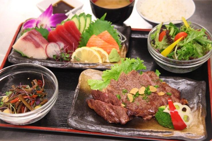 刺身とステーキの贅沢なコンビネーション(2階でオーダー可能)