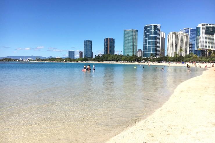 ハワイのおすすめビーチ アラモアナビーチパーク